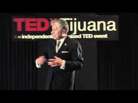 TEDxTijuana - Roberto Reyes - Clusters y Cooperación