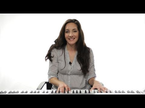 How to Play an A Chord 1st Inversion on Piano