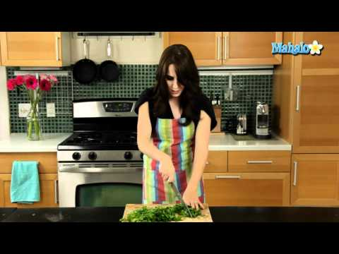 How to Cut Cilantro