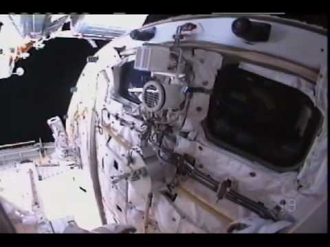 Switching Batteries Powers Final Spacewalk