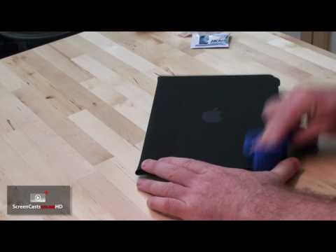 iPad002 - Cleaning the Apple iPad Case