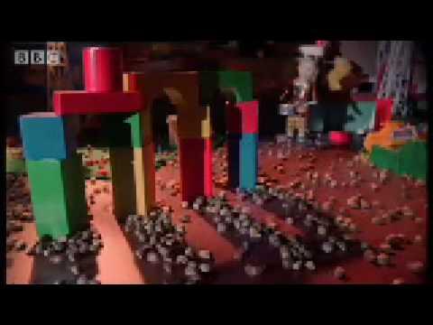 Mexican Jumping Beans - Weird Nature - BBC animals