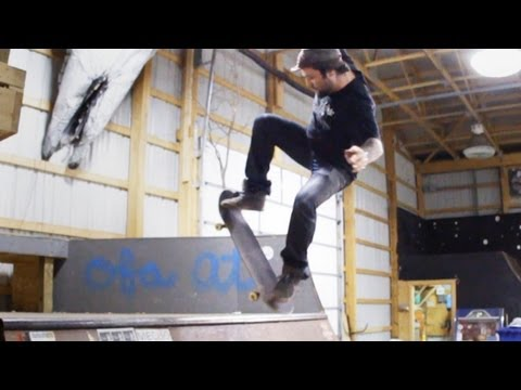 How to Skateboard with Bam Margera: Ramp Tricks / Blunt to Fakie