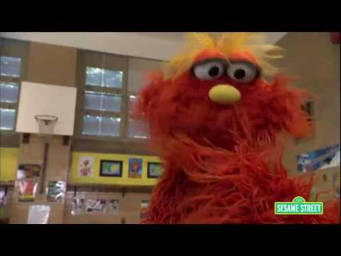 Sesame Street: Season 42 Sneak Peek -- Murray's Science Experiments