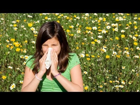 How to Treat a Severe Allergic Reaction aka Anaphylaxis | First Aid