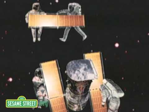 Sesame Street: Letter M in Space