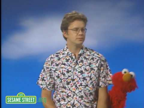 Sesame Street: Surprise With Elmo