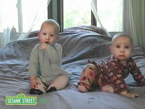 Sesame Street: Baby Sports: Sitting Up Game