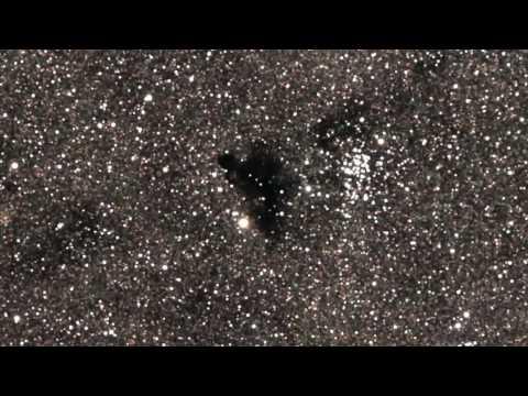 "Saturn, Venus Among Skywatchers' ""Stars"" this Month"
