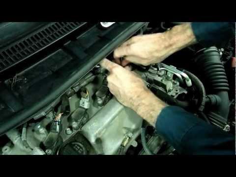 Toyota Corolla Spark Plug Removal