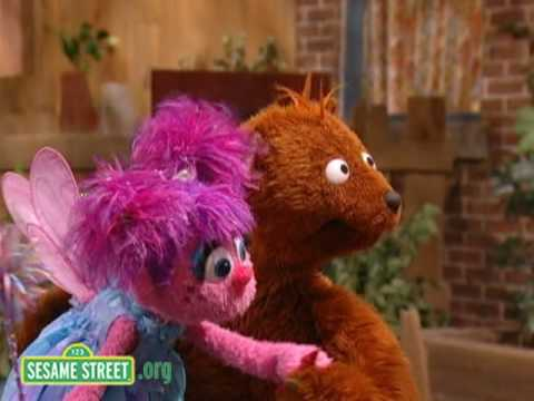 Sesame Street: Crayon Magic Letter I