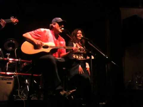 Dan and Rhonda sing Words by the Bee Gee's