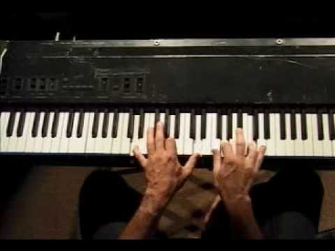 Piano Lesson - 2 Handed Chord Fingering (Beethoven Method)