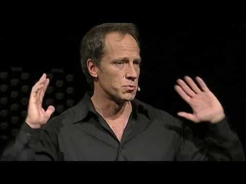 Mike Rowe celebrates dirty jobs