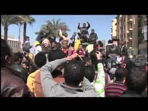 News Wrap: Iraqi Government Attempts to Minimize Protester Turnout