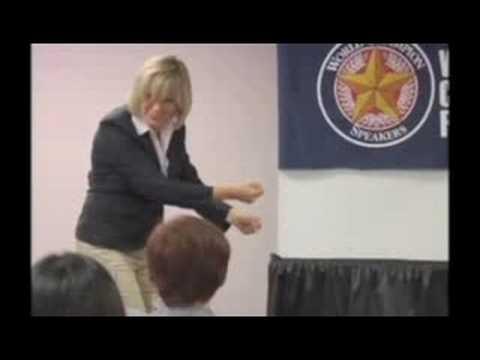Public speaking course: How Professional Presenters...