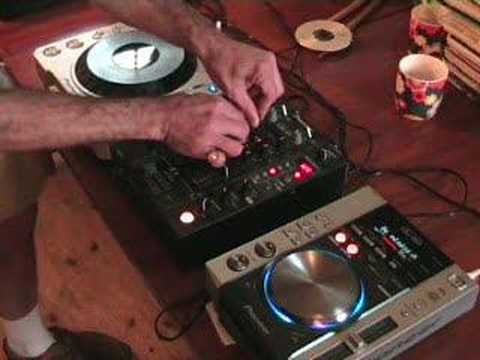 A demo of using the fx's on a CDJ turntable and a DJ mixer.