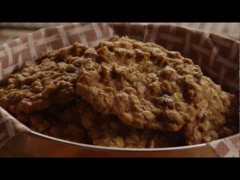 How to Make Oatmeal Raisin Cookies