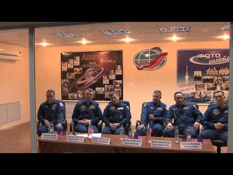 Expedition 27 Crew Meets with Media and Officials Before Launch