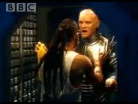 Emergency dust - Red Dwarf - BBC comedy