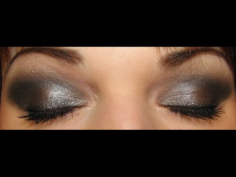 Sultry Smokey Makeup for Valentine's Day