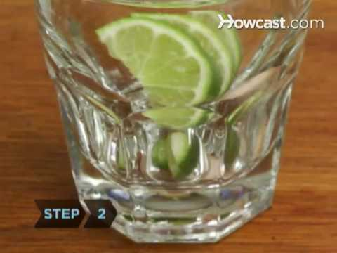 How To Make a Caipiroska
