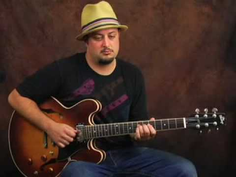 Learn to play Lead Blues Guitar licks and phrasing lesson