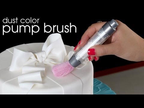 Using Edible Dust Color with the Pump Brush