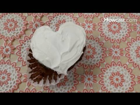Quick Tips: How to Make Heart-Shaped Cupcakes