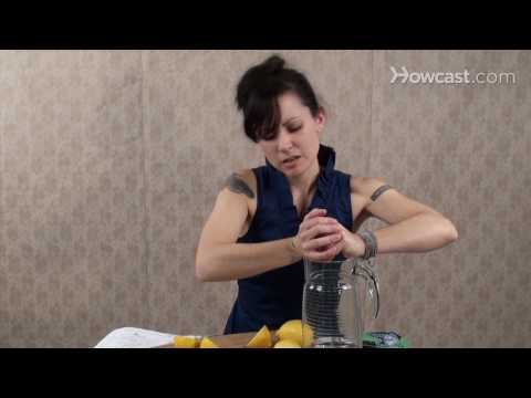 Quick Tips: How to Get More Juice Out Of Your Lemons