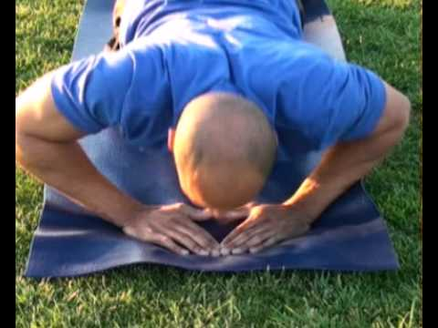 Push Up Diamond Hand Placement : BeYourTrainer.com