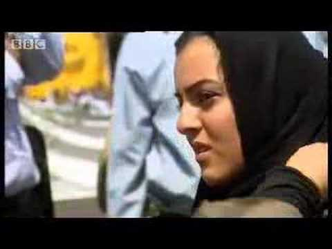 Protest in Palestine Square - Welcome to Iran - BBC