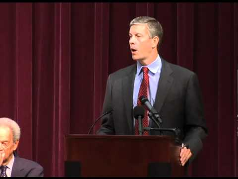 Secretary Duncan goes back to school with The HistoryMakers on Constitution Day
