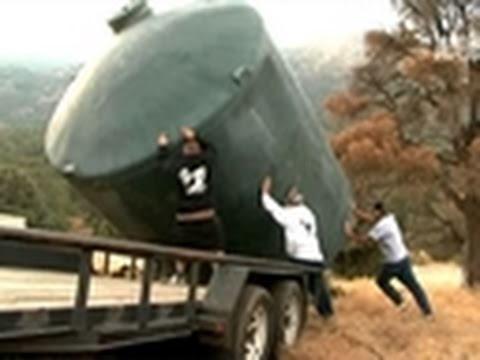 Pit Bulls & Parolees- Runaway Water Tank