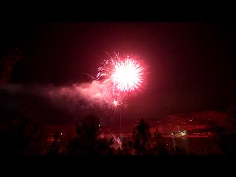 Timelapse Fireworks, Castaic Lake, CA (July 4th 2011, Entire Show, 1080p full HD)