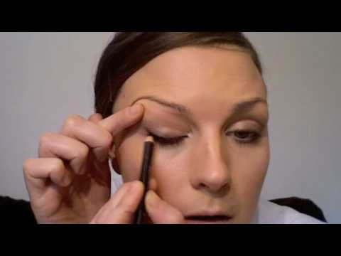 VICTORIA BECKHAM MAKE-UP TUTORIAL