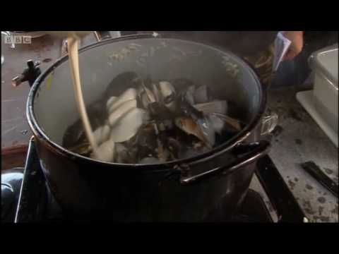 Perfect moules and frites pt 2 - The Hairy Bikers - BBC