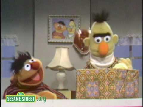 Sesame Street: Surprise Present