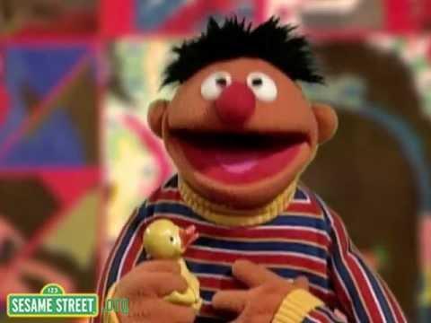 """Sesame Street: Kids Sing """"Twinkle Twinkle Little Star"""" WIth Ernie"""