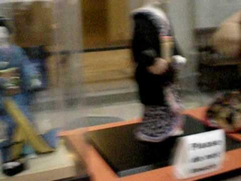 Smithsonian: APAH - Japanese Kimekomi paper dolls craft demo