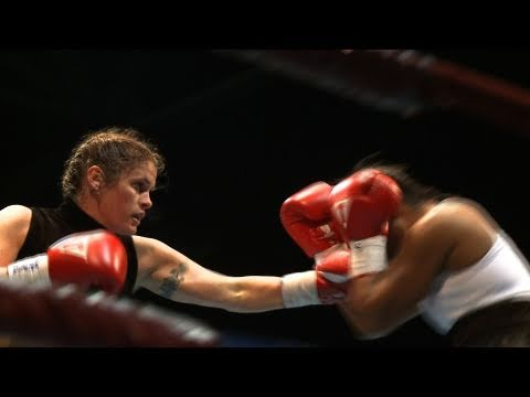 Women's Boxing Match 'Like a Wedding Day'