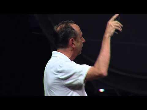 Promesas (in) cumplidas de la tecnología en la educación : Alberto Cañas at TEDxPuraVida ED