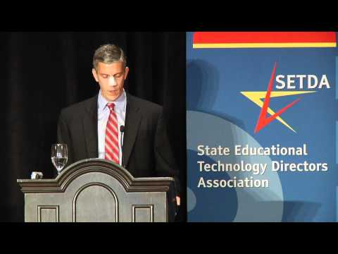 Secretary Duncan speaking to SETDA  ED Forum