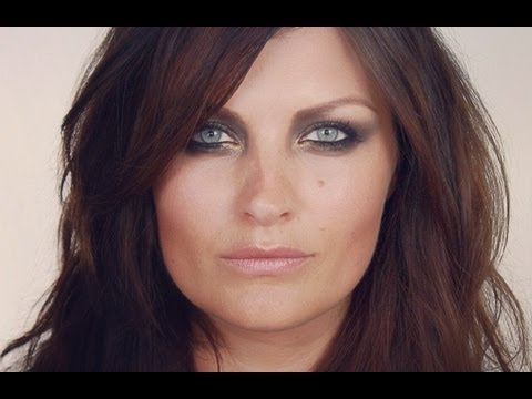 SUPERMODEL SERIES: Helena Christensen Make-up Tutorial