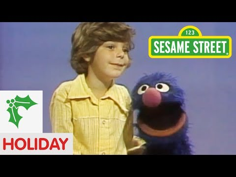 Sesame Street: How Does Santa Get In?