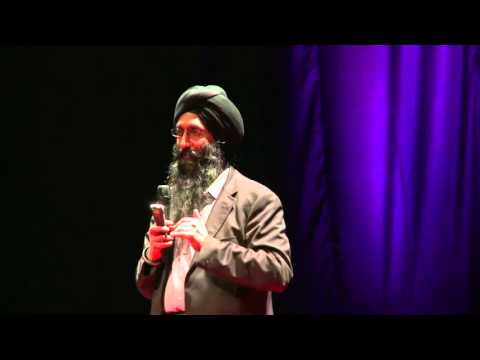 TEDxGateway 2011: Suneet Singh Tuli : Not the 35$ Tablet Story