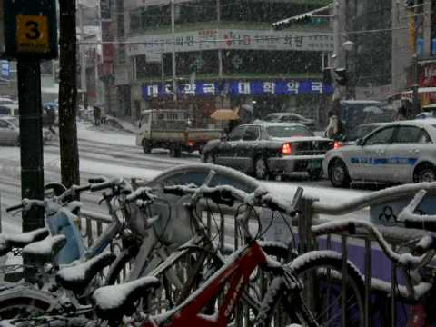 Snowy Seoul (short video)