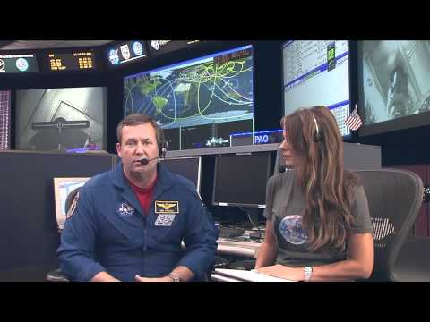NASA Astronaut Talks Space with Students