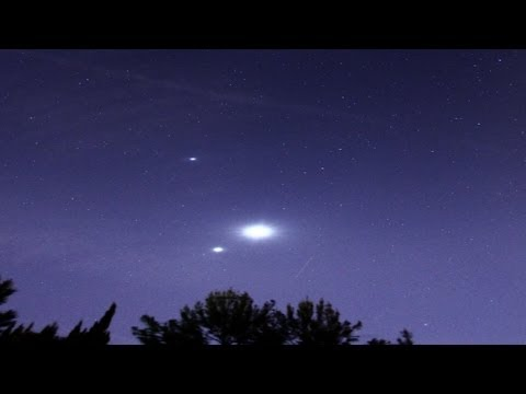 Venus Jupiter and Moon Conjunction HD Timelapse Star Trails 2-25-2012