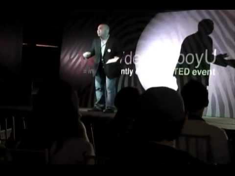 Voice over, en español neutro: Elvis Castillo at TEDxVdemomboyU